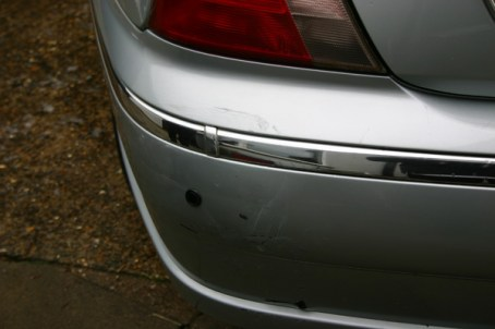 Impact_damage_on_rear_bumper