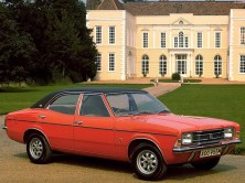 ford_cortina_4-door_saloon_5