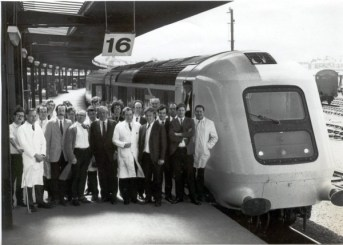 The prototype HST relaxes at York in 1973 while BREL engineers & staff celebrate another record breaking proving run on the East Coast Mainline