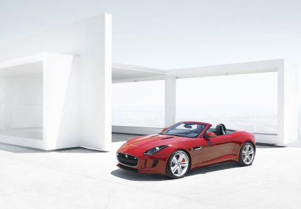 Jaguar F-type_04