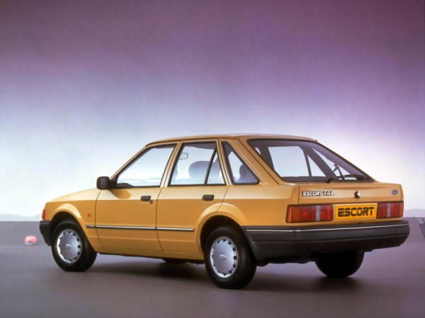 ford_escort_hatchback_10