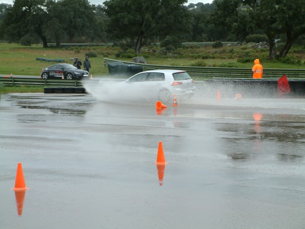 The skid pan showed the tyre to have superb water dissipation and stability.