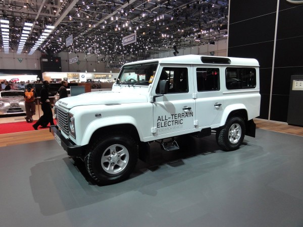 Land Rover Defender Electric (2)