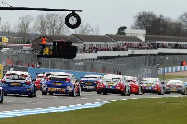 Round 6 of the BTCC gets underway at Donington Park
