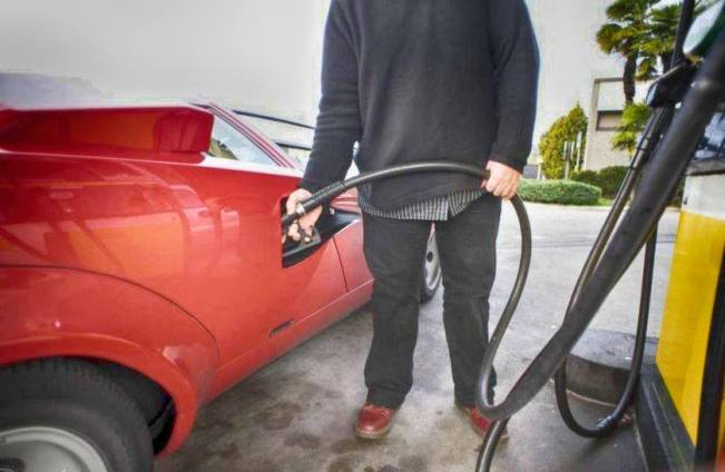 Filling up a petrol car