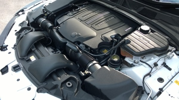 5.0-litre AJ133 V8 comes with a twin vortex supercharger. Result? 510bhp and 625Nm of torque.