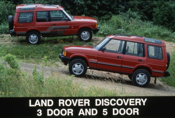 Five-door added more versatility to the range from 1990. It was popualr enough for the three-door variant to be dropped when the Series II came out.