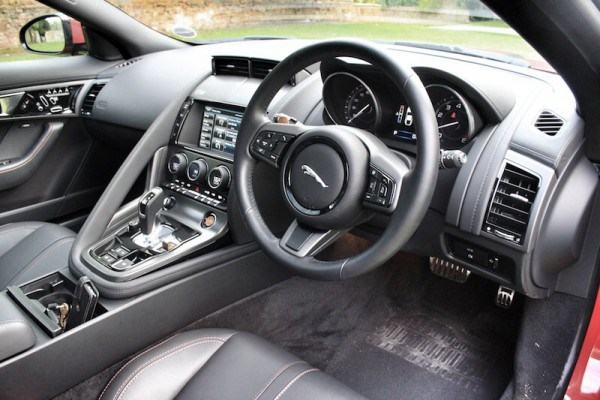 A very easy to use cockpit with just the right mix of leather, suede and textured alloy.