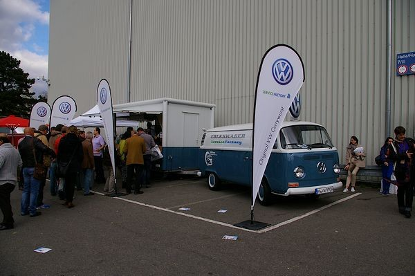 Queuing for original VW Currywurst