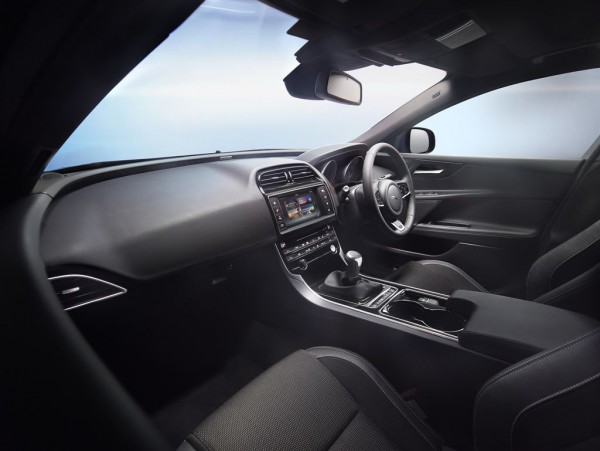 Jag_XE_R_Sport_Interior_Image_011014_16_LowRes