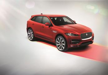 JAGUAR_FPACE_RSPORT_Studio 02-web