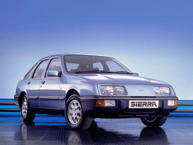 Full electrics and pepper pots - The Sierra Ghia was once a fully loaded bargain in every sense. You wont get even a half decent one for under two grand today!