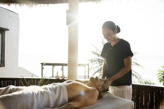 unique gift ideas for Mother's Day - spa