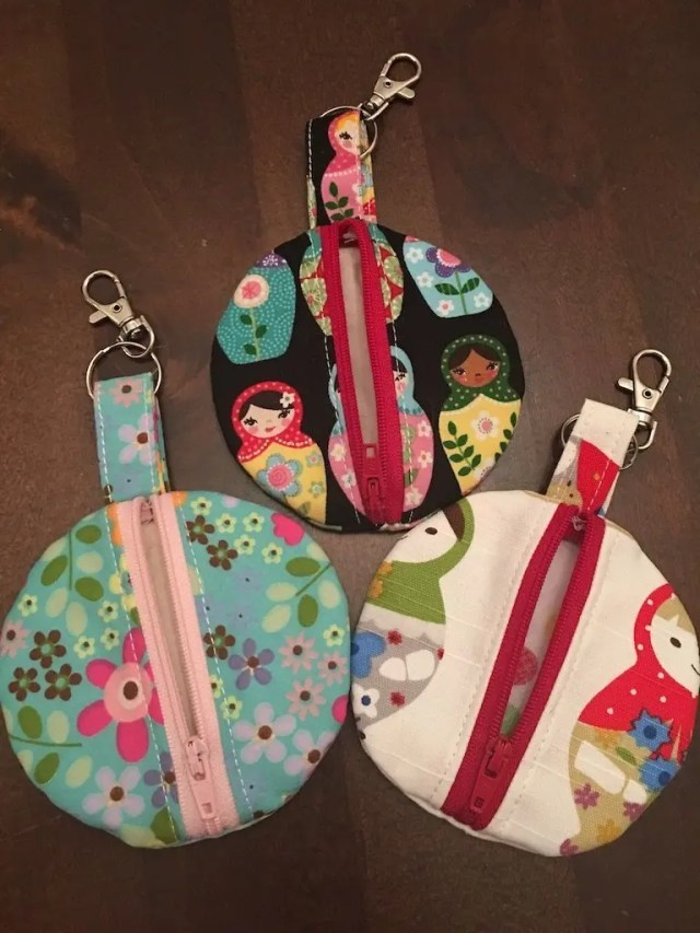 Earbud cases - a great way of using up fabric scraps - #zerowaste #upcycled #recycled #fabricscraps