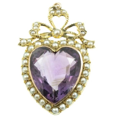 The Benefits Of Buying Antique Jewellery Over New