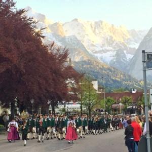 Trachtenumzug Bayern Garmisch