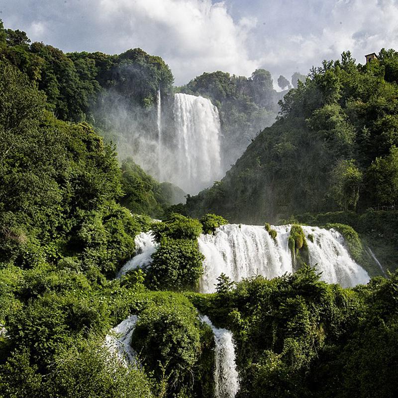 Marmore Waterfalls wikiCommons foto di CostaEtrusca