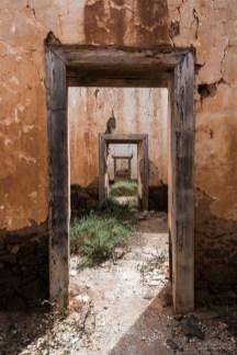 Türrahmen in einer Ruine