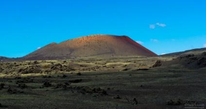 Vulkan auf Lanzerote mit Schwefelfeldern