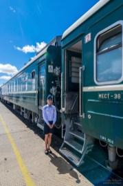 Schaffnerin in der Transmongolischen Eisenbahn