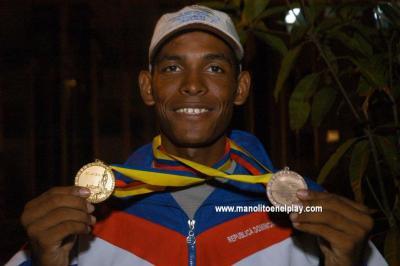 Augusto Sanchez con medallas de Cartagena 06