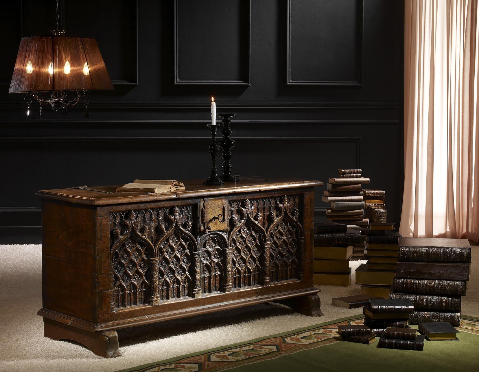 Muebles de estilo gotico