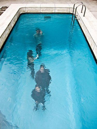 Una piscina falsa que parece muy real