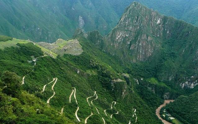Ministerio de cultura del Perú intensifica labores de mantenimiento y limpieza en sitios del Cusco por temporada de lluvias