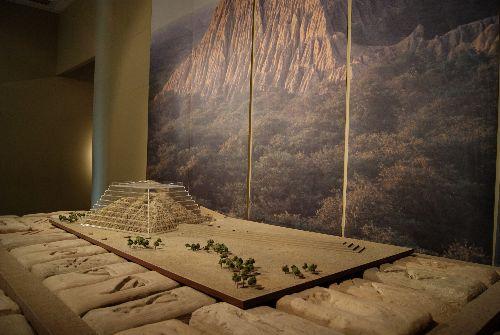Novedosa maqueta de huaca del oro es exhibida en museo Sicán