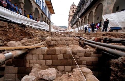 escalinata_muro_inca_centro_cusco_100