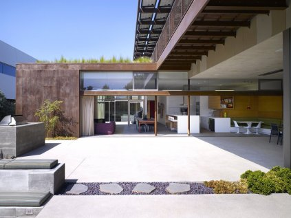 Yin-Yang House - Brooks + Scarpa