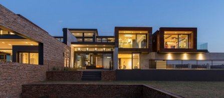 House Boz - Nico van der Meulen Architects