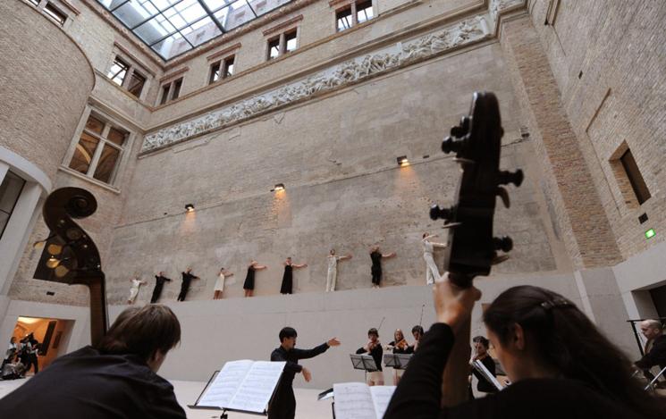 Tanzperformance im Neuen Museum