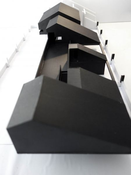 Arquitectura Neri&Hu: Antiguo techo industrial convertido en moderna oficina