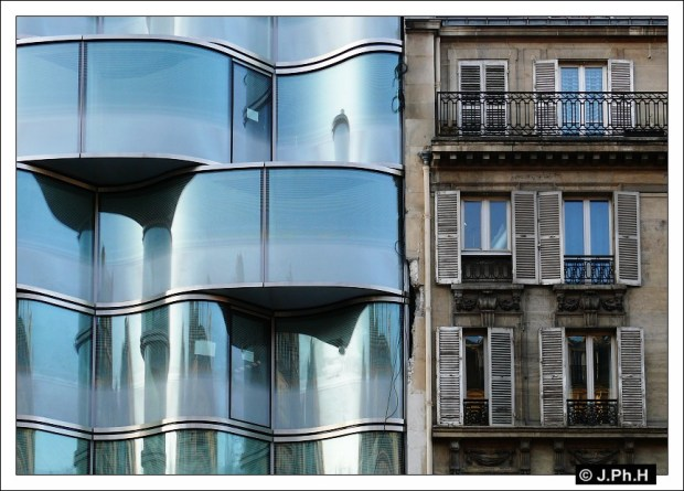Renaissance Paris Arc de Triomphe Hotel - Christian de Portzamparc