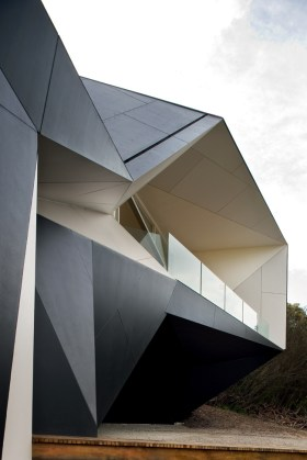 Klein Bottle House - Mcbride Charles Ryan Architects