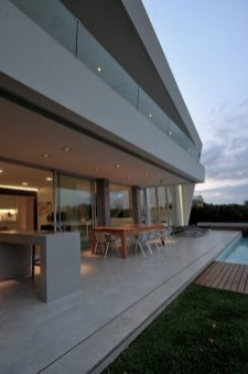 DLC House - Vanguarda Architects