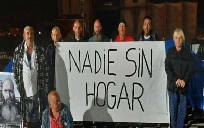 Muere un hombre de 42 años en la acampada de 'sin techo' a las puertas del Ayuntamiento de Vigo
