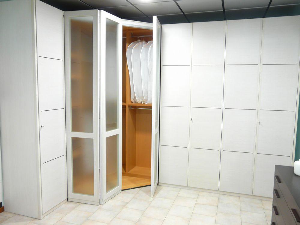 Offerta camera matrimoniale con armadio 8 ante  Occasione
