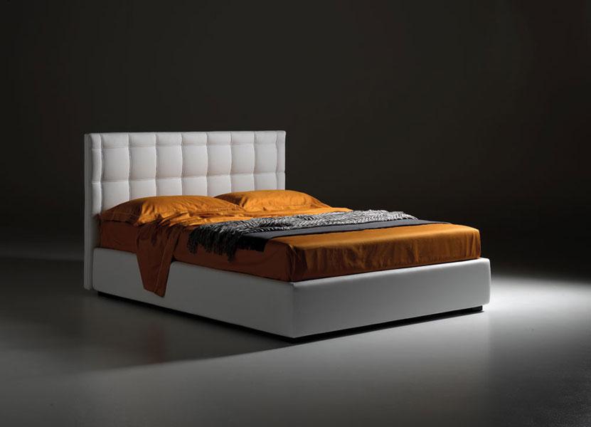 Gli amanti del genere contemporaneo possono trovare il modello che meglio risponde alle proprie aspettative di stile moderno e attuale, con una camera da letto contemporanea. Letti Samoa Dassi Arredamenti