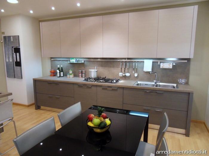 Cucina Sfera larice moderna con penisola  DIOTTI AF Arredamenti