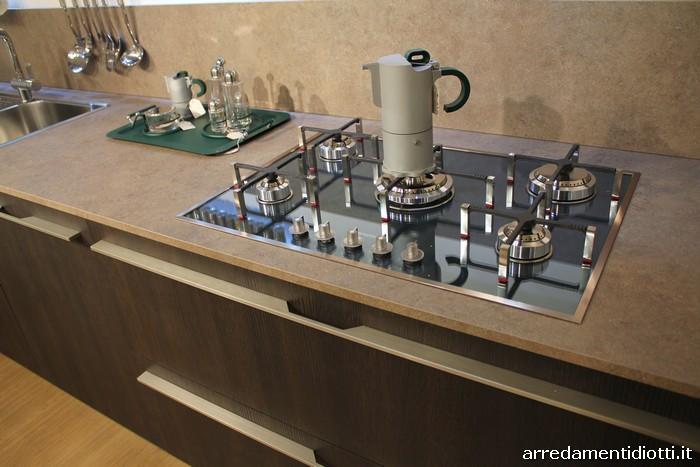 Cucina moderna verde e rovere dark Grafica  DIOTTI AF