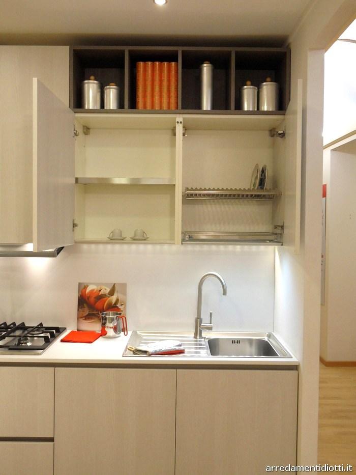 Cucina Grafica moderna e lineare con pensili a giorno  DIOTTI AF Arredamenti