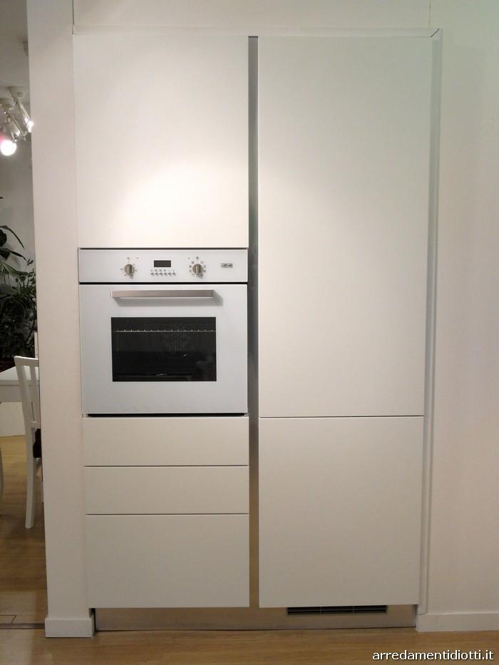 Cucina moderna Sfera con gola curva e pensile elettrico  DIOTTI AF Arredamenti