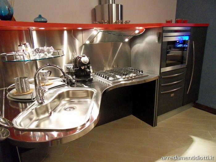 Cucina Skylab per disabili realizzata per un cliente di Como  DIOTTI AF Arredamenti