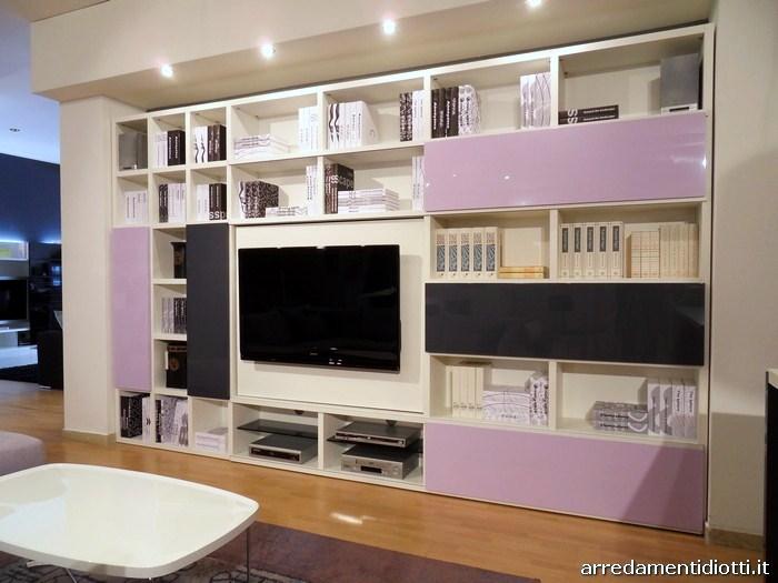 Cucina Domus e soggiorno My Space insieme in uno spazio