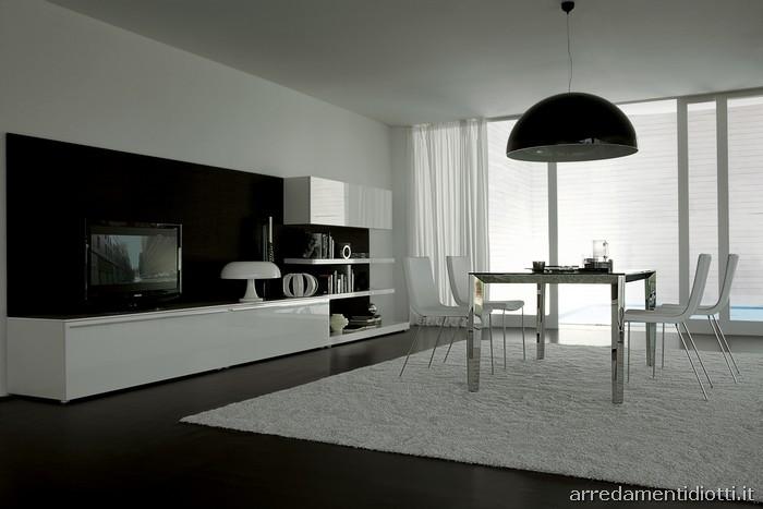 Le composizioni proposte nelle finiture laccato Bianco eo Nero mostrano le caratteristiche del
