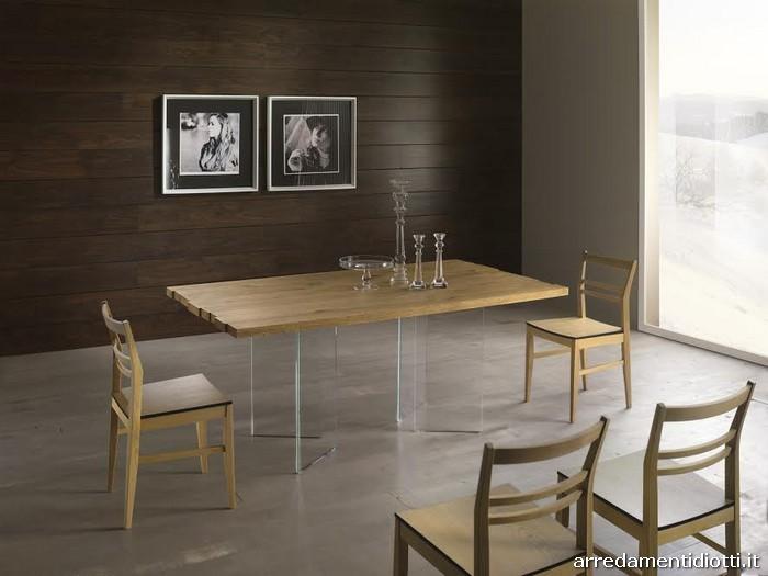 Tavoli in massello con basamento in vetro  DIOTTI AF Arredamenti