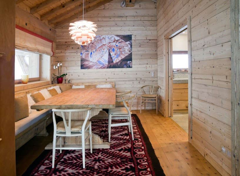 Avere una casa in montagna è un sogno di molti, soprattutto di chi ama staccare dalla vita in città e immergersi nella quiete bucolica. Ferre Arredamenti Chalet Di Montagna Realizzazioni Case Private