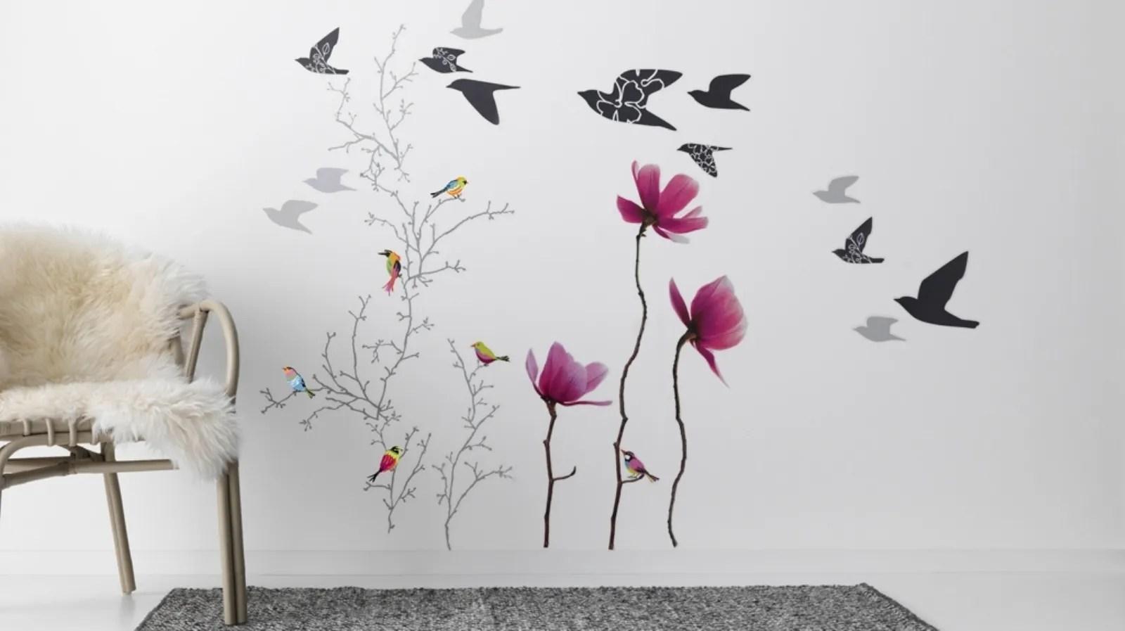 Le decorazioni murali adesive sono una risorsa per ogni angolo della vostra casa o del vostro spazio lavorativo.grazie a questi adesivi vi sarà la possibilità di rendere ogni ambiente personalizzato, accogliente e rinnovato. Adesivi Murali Ikea Decorare Casa Facilmente